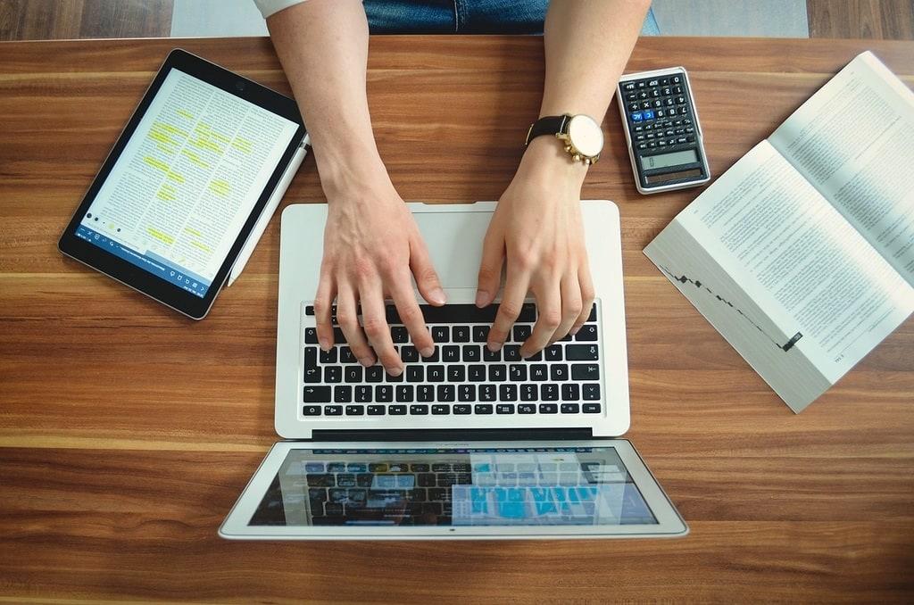 Démarrer sa petite entreprise : quels logiciels pour le début ?